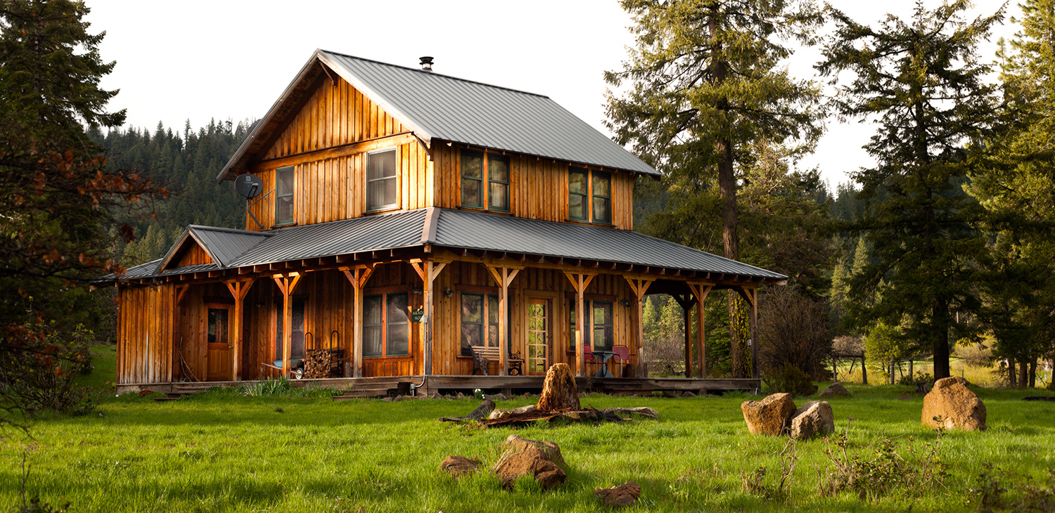 Off-Grid Farmstay Accommodations at Willow-Witt Ranch